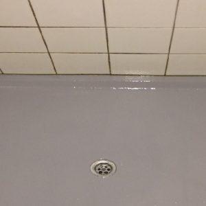 Onze polyester vloeren kunnen zowel in een bestaande badkamer geplaatst worden als in een - Badkamer vloer ...