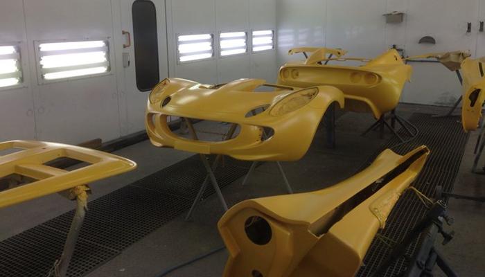 polyester-schade-auto-onderdelen