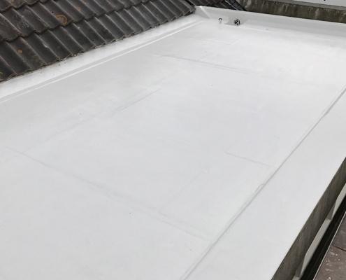 Polyester-dakkapel-opknappen
