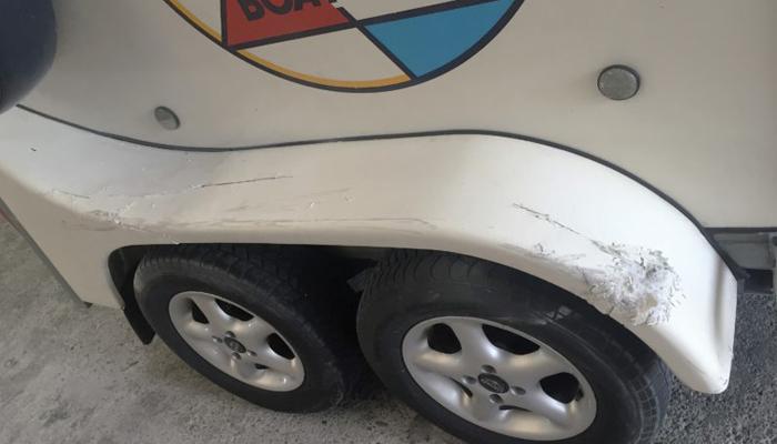 Schade polyester paardentrailer